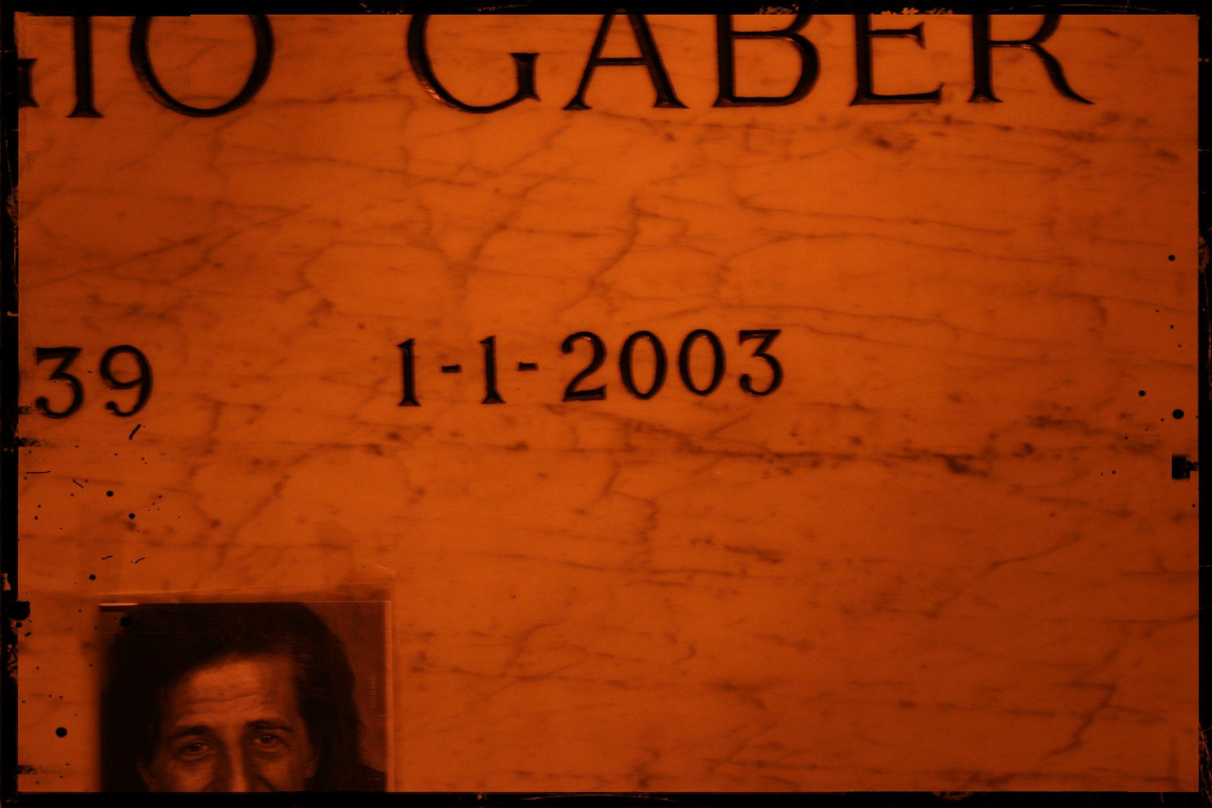 Tomba di Giorgio Gaber - Famedio - Cimitero Monumentale di Milano