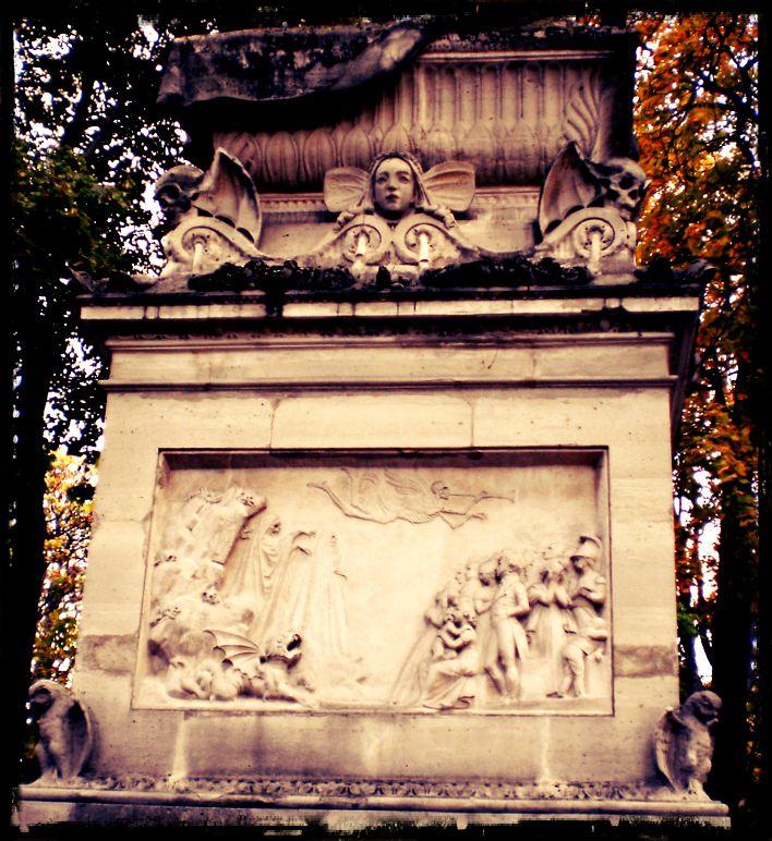Tomba Robertson Pere Lachaise Paris