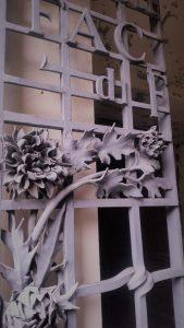 Cancelli di ingresso nella cripta