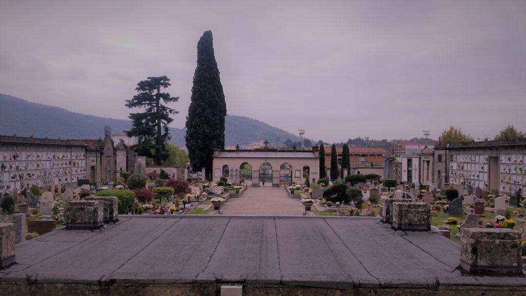 Il cimitero di Sarnico visto dal Mausoleo Faccanoni